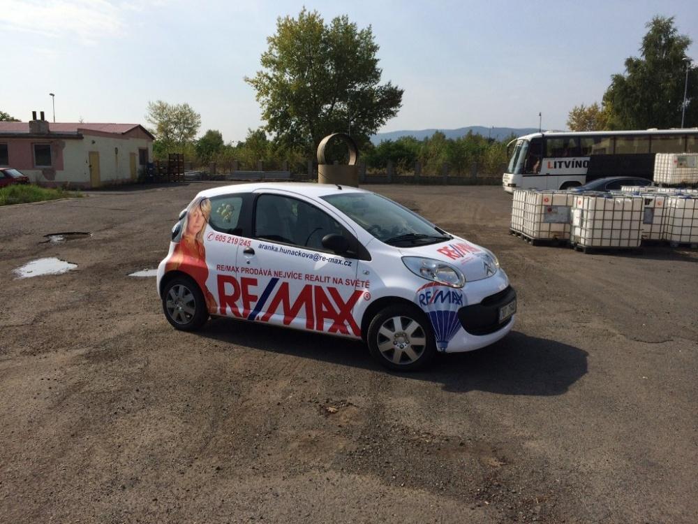 Reklamní celopolep vozidla Remax