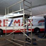reklamní celopolep autobusu REMAX